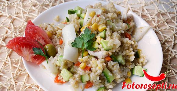 кальмар и рис с овощами