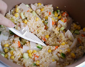 овощи с рисом и морепродуктами