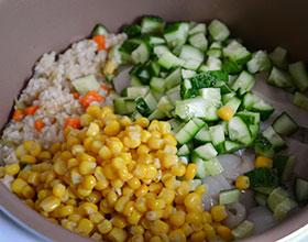 овощи с кальмаром и рисом в мультиварке