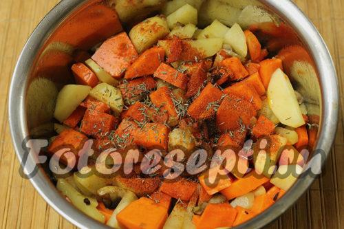 добавить к овощам специи