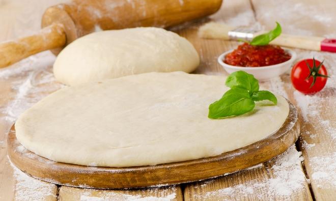 Тесто для домашней пиццы на кефире