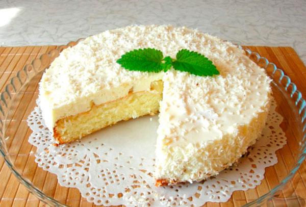Бисквитный торт Пина колада с нежным суфле