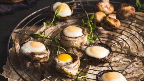 Перепелиные яйца в шампиньонах