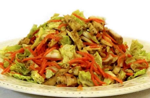 Закуска с пекинкой, морковью и курицей