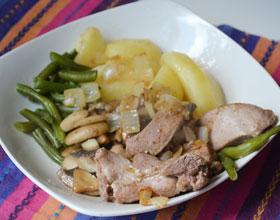 индейка с фасолью и картофелем