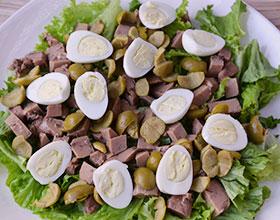 перепелиные яйца в салате