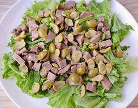 оливки в салате