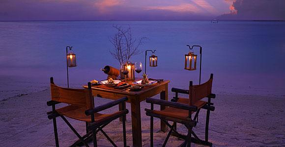 романтический ужин на пляже