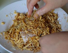 курица в сухарях и сыре