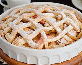 яблочный пирог с решеткой из теста