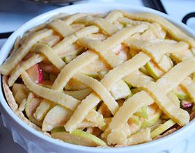открытый яблочный пирог, фото
