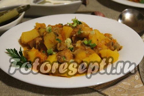 картофель с вешенками и мясом