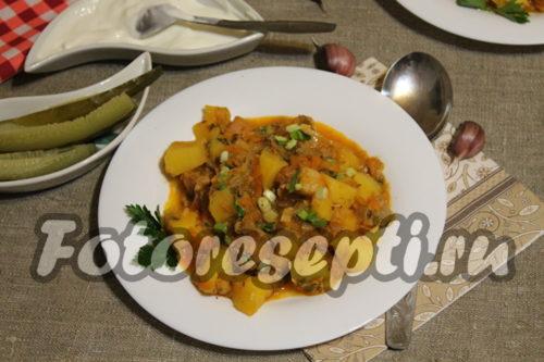 Картофель с мясом и вешенками