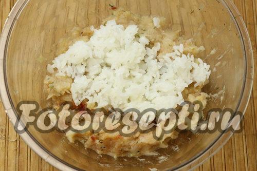 в рыбный фарш добавить рис