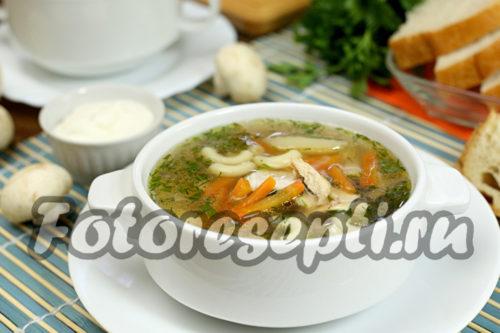 Куриный суп с пастой и грибами