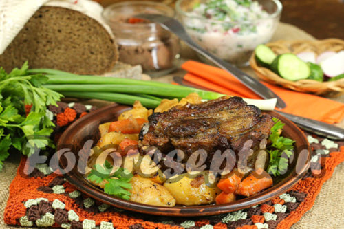 Свиные ребрышки с картошкой в духовке: рецепт с фото