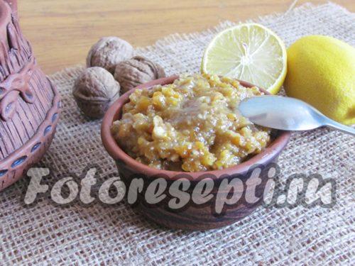 Смесь из сухофруктов, орехов и меда: рецепт