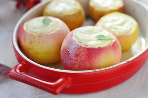 Яблоки с рисовым кремом
