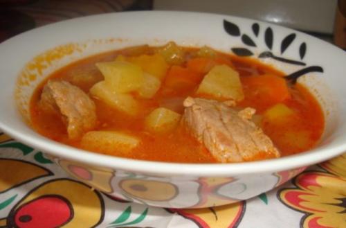 Суп с говядиной и овощами в мультиварке