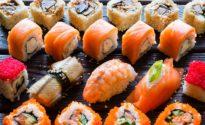 сет роллов или суши
